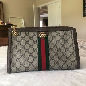 Authentic Gucci pouch like new